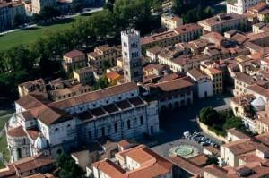 10-Lucca-il-Duomo