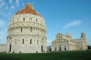 14-Pisa-Piazza-dei-Miracoli